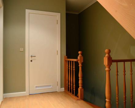 schilderen muren en deuren traphal