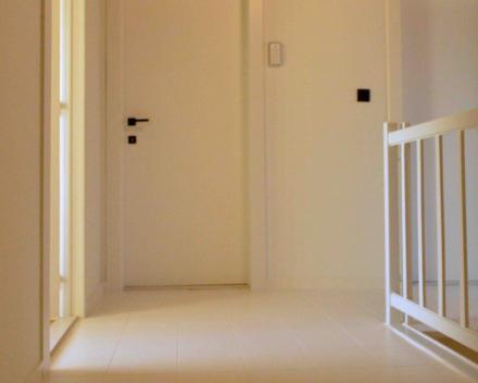 schilderen muren, deuren en kurkvloer